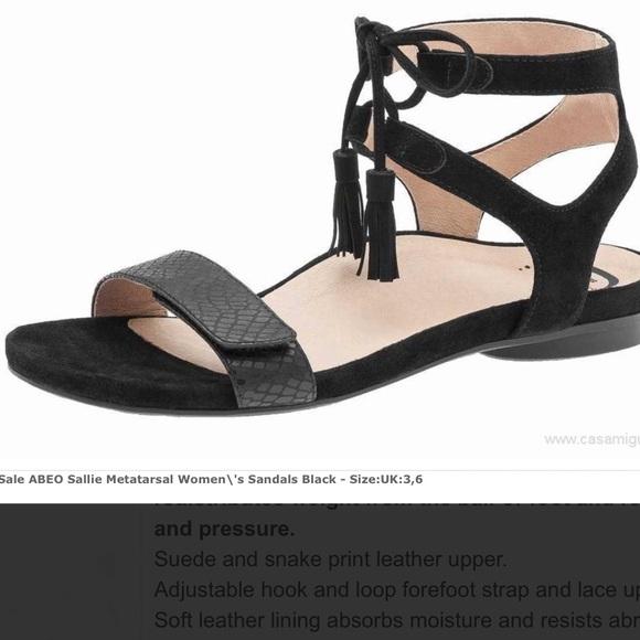 "65648ededf6f Abeo ""Sallie"" neutral footbed black sandal"
